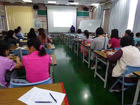 http://w4.loxa.edu.tw/smallwei/school/2014/sh150/DSC00517.jpg